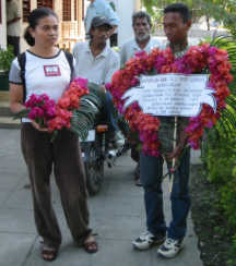 East Timorese offer condolences at the U.S. mission in E. Timor